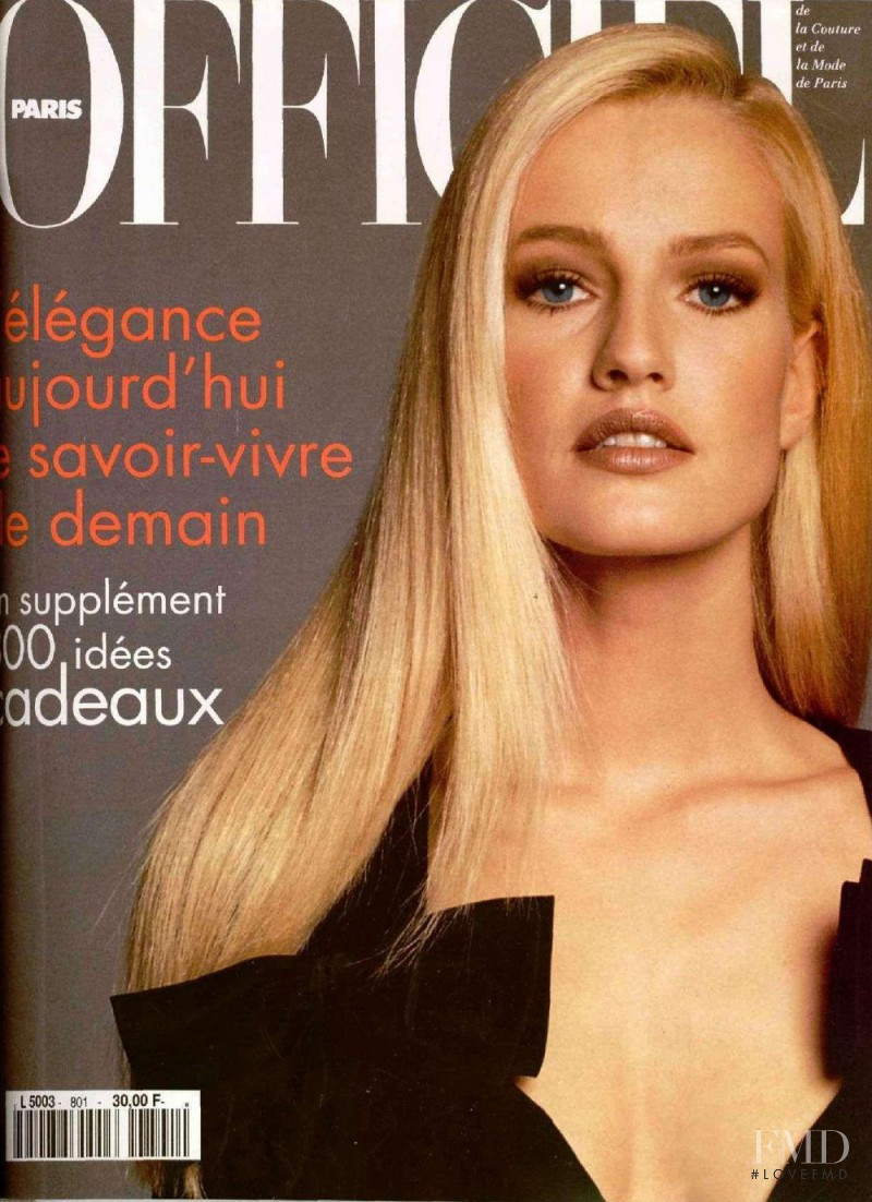 featured on the L\'Officiel France cover from November 1995