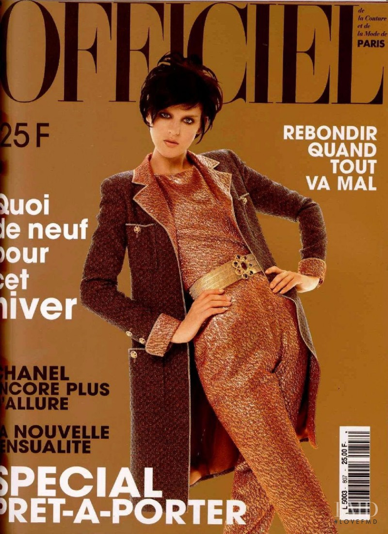 featured on the L\'Officiel France cover from August 1996