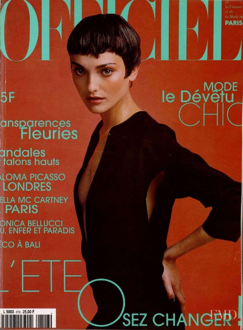 featured on the L\'Officiel France cover from June 1997