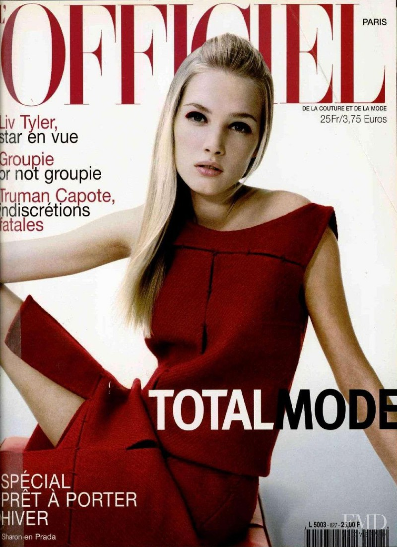 Sharon van de Pas featured on the L\'Officiel France cover from August 1998