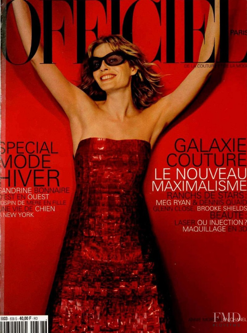 Annie Morton featured on the L\'Officiel France cover from September 1999