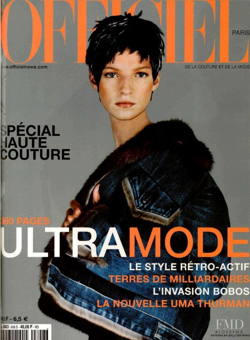 Natasha Livak featured on the L\'Officiel France cover from September 2000