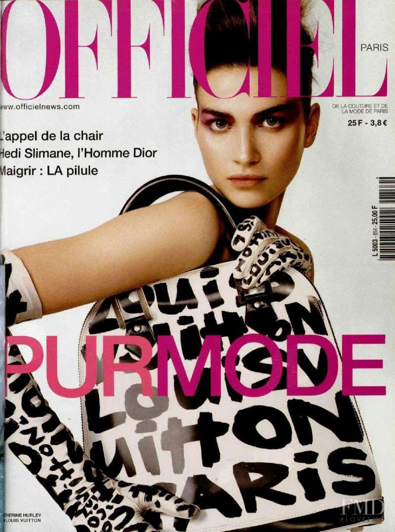 Catherine Hurley featured on the L\'Officiel France cover from April 2001