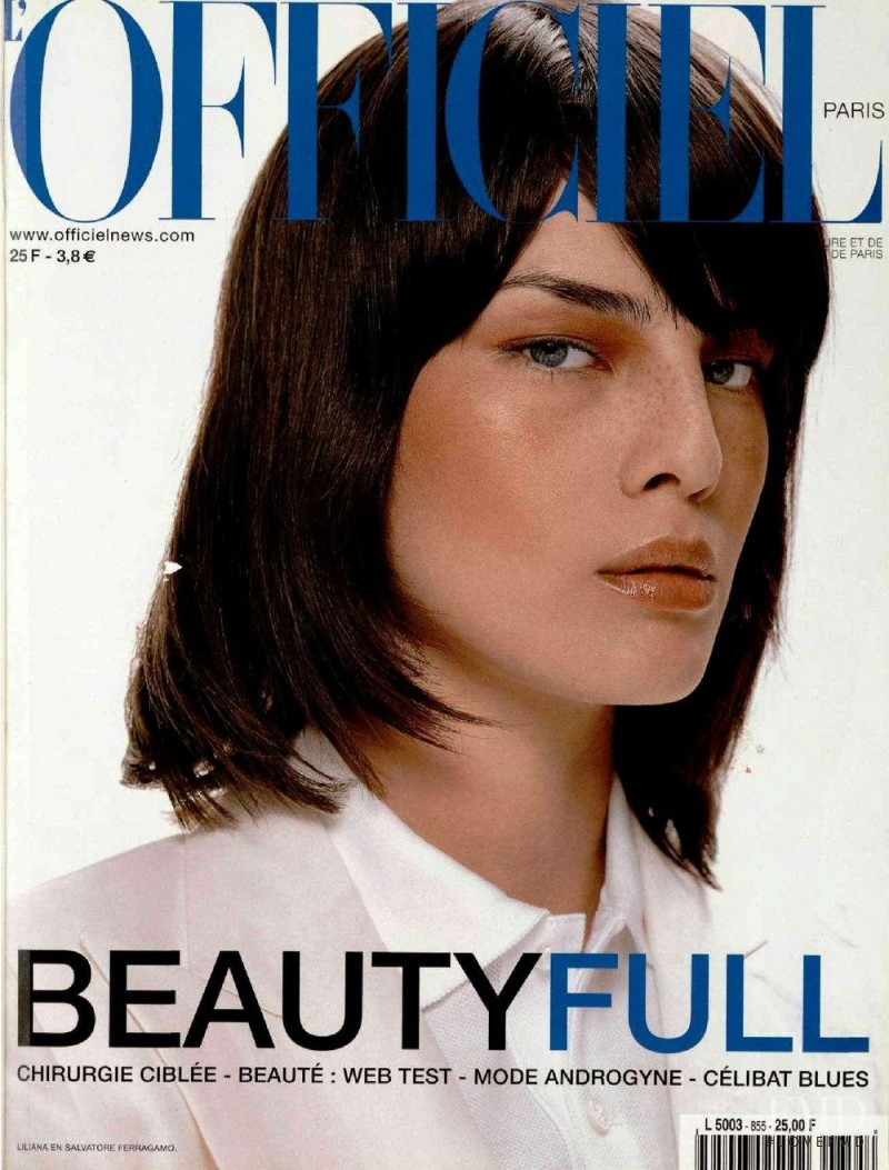 featured on the L\'Officiel France cover from May 2001