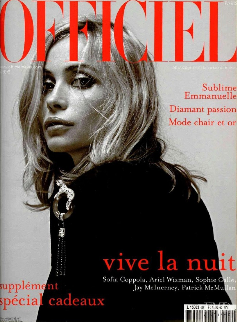 Emmanuelle Béart featured on the L\'Officiel France cover from December 2003
