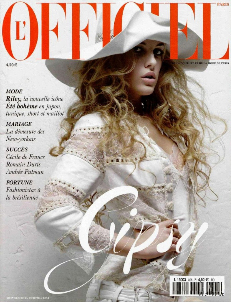 featured on the L\'Officiel France cover from June 2005