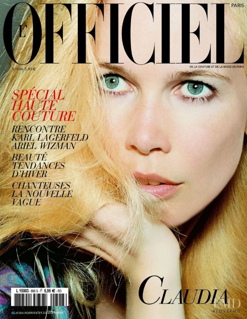 Claudia Schiffer featured on the L\'Officiel France cover from September 2005