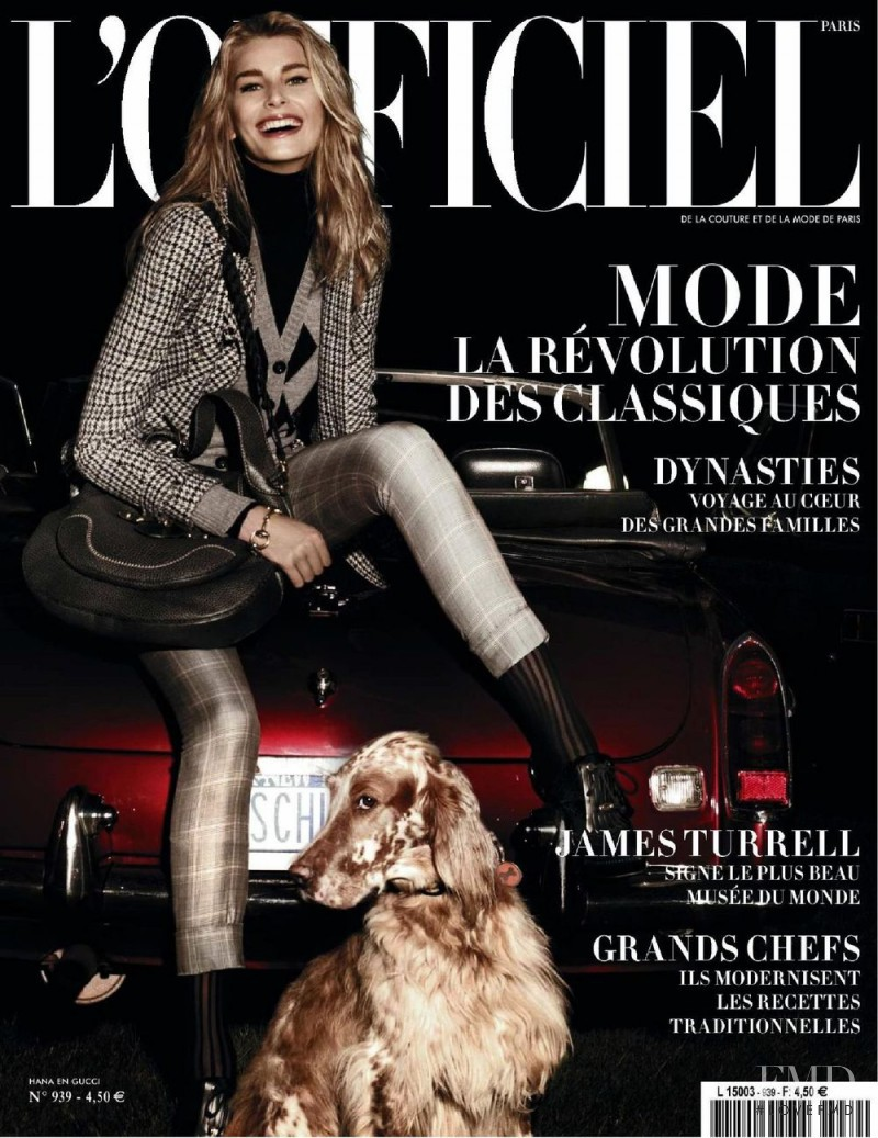 Hana Soukupova featured on the L\'Officiel France cover from October 2009