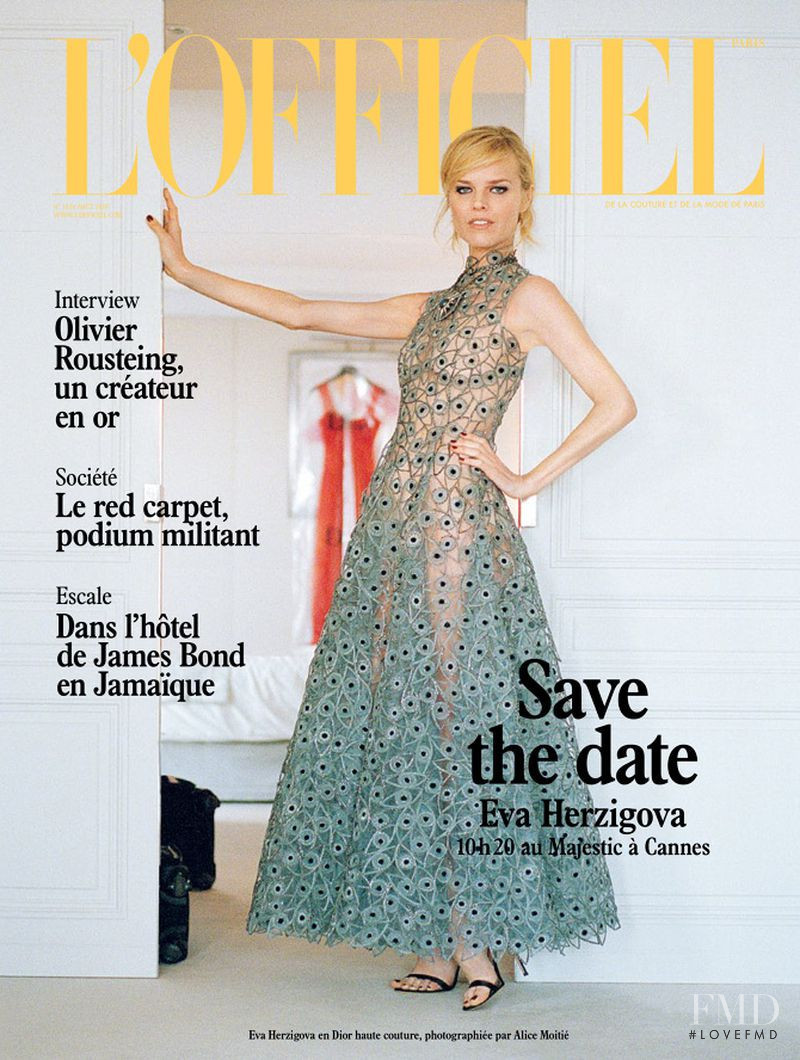 Eva Herzigova featured on the L\'Officiel France cover from August 2018