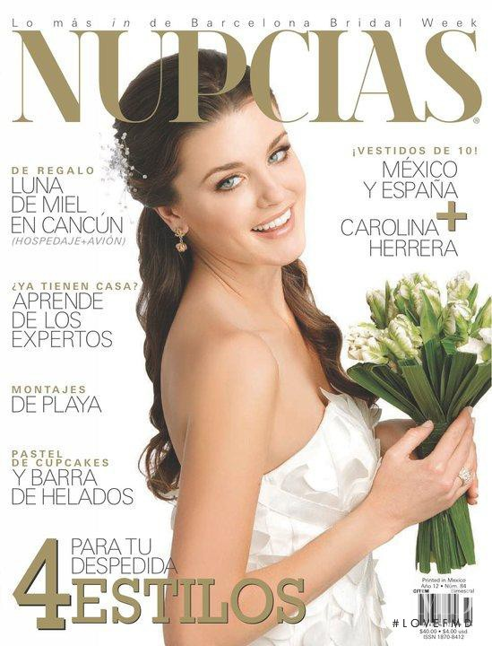 72333383f featured on the Nupcias Magazine cover from August 2010
