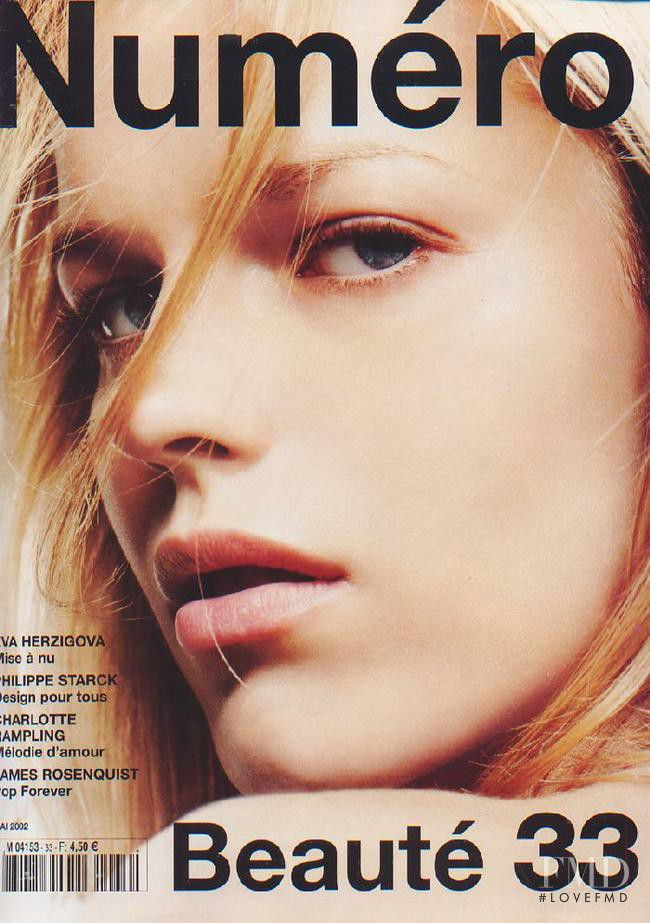 Eva Herzigova featured on the Numéro France cover from May 2002