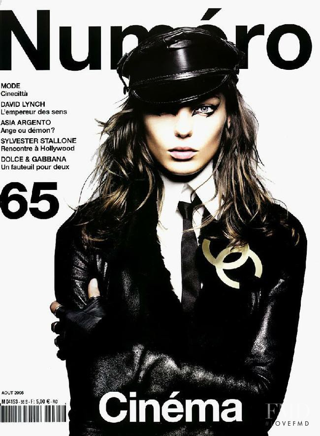 Daria Werbowy featured on the Numéro France cover from August 2005