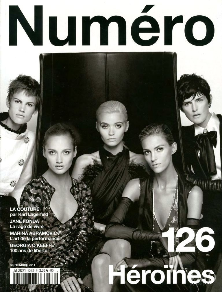 Stella Tennant, Anja Rubik, Saskia de Brauw, Abbey Lee Kershaw, Karmen Pedaru featured on the Numéro France cover from September 2011