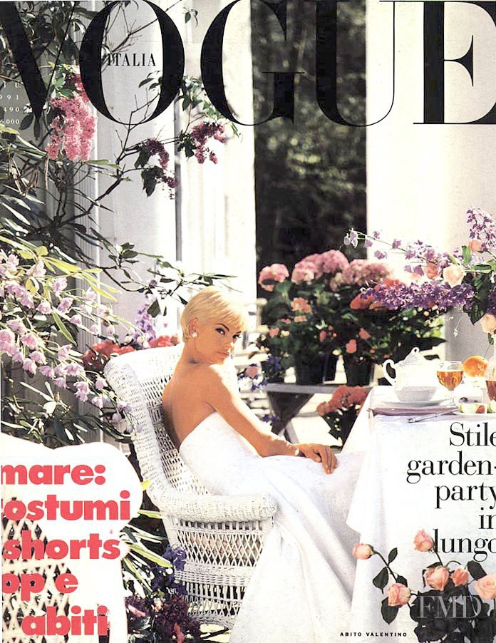 Linda Evangelista featured on the Vogue Italy cover from June 1991
