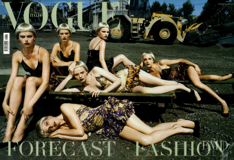 Karen Elson, Missy Rayder, Hannelore Knuts, Jessica Stam, Elise Crombez, Dovile Virsilaite featured on the Vogue Italy cover from July 2004