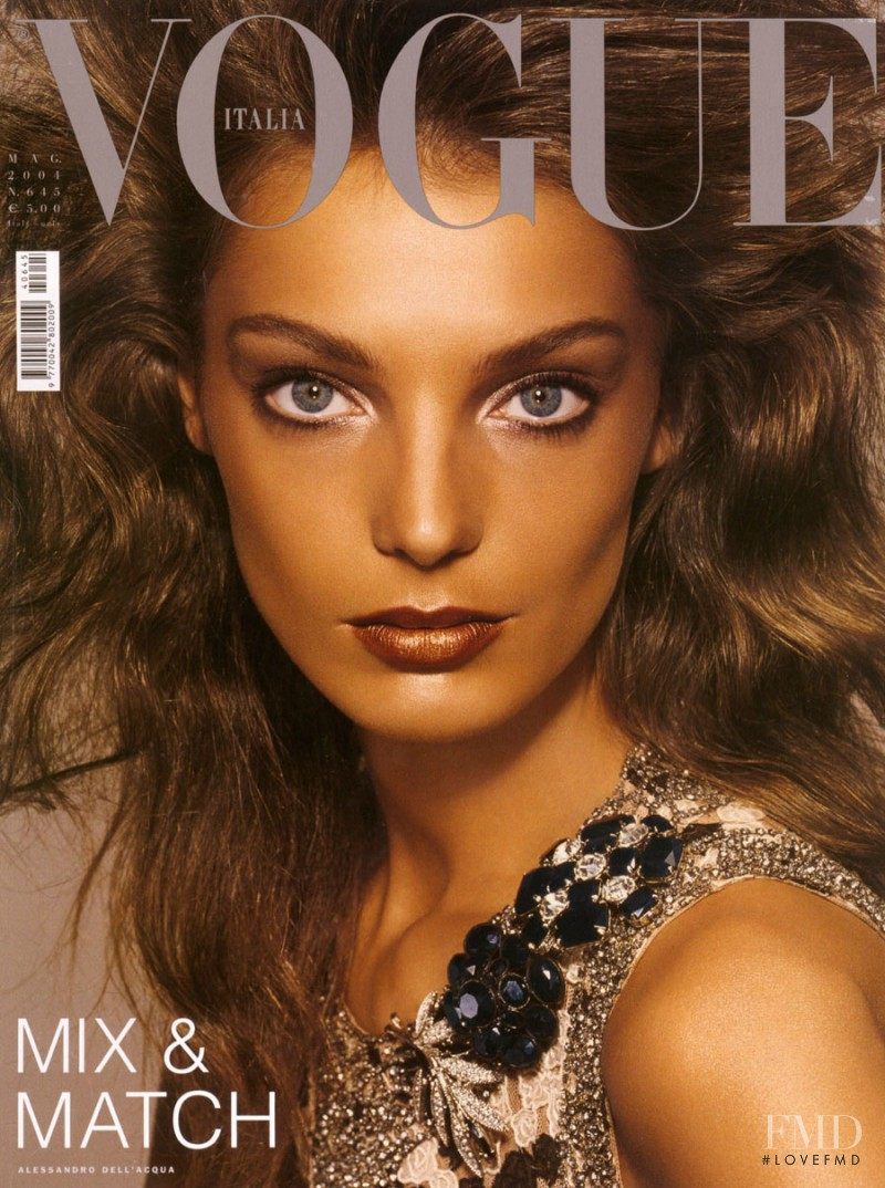 Daria Werbowy featured on the Vogue Italy cover from May 2004
