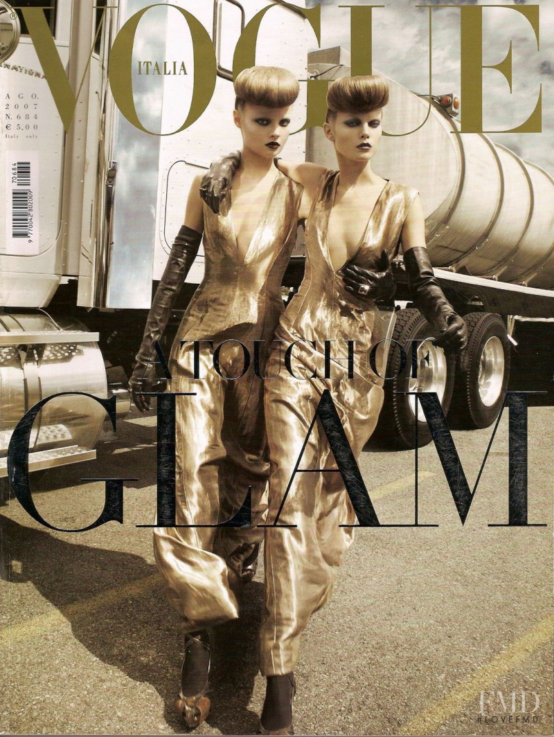 Magdalena Frackowiak, Maryna Linchuk featured on the Vogue Italy cover from August 2007