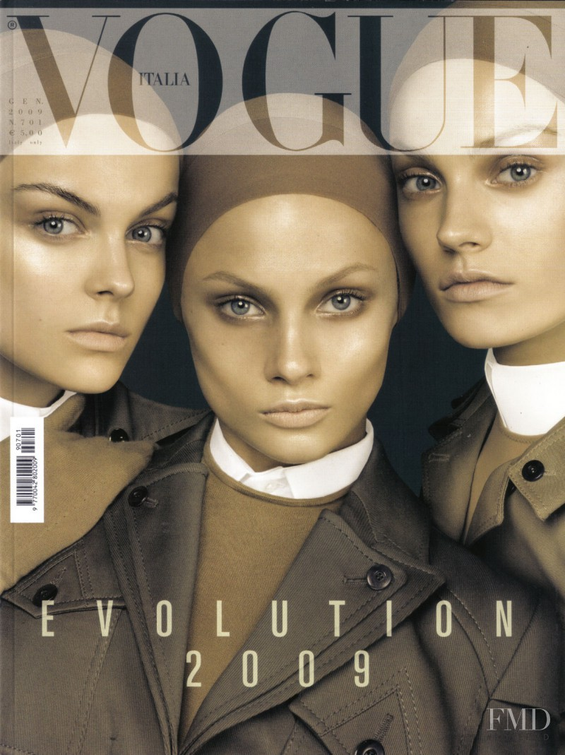 Anna Maria Jagodzinska, Anna Selezneva, Viktoriya Sasonkina featured on the Vogue Italy cover from January 2009