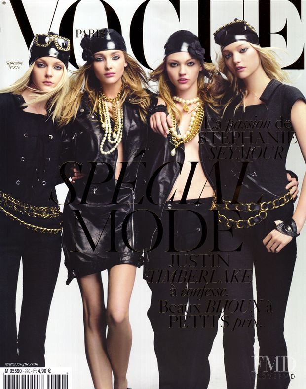 Jessica Stam, Gemma Ward, Sasha Pivovarova, Snejana Onopka featured on the Vogue Paris cover from September 2006