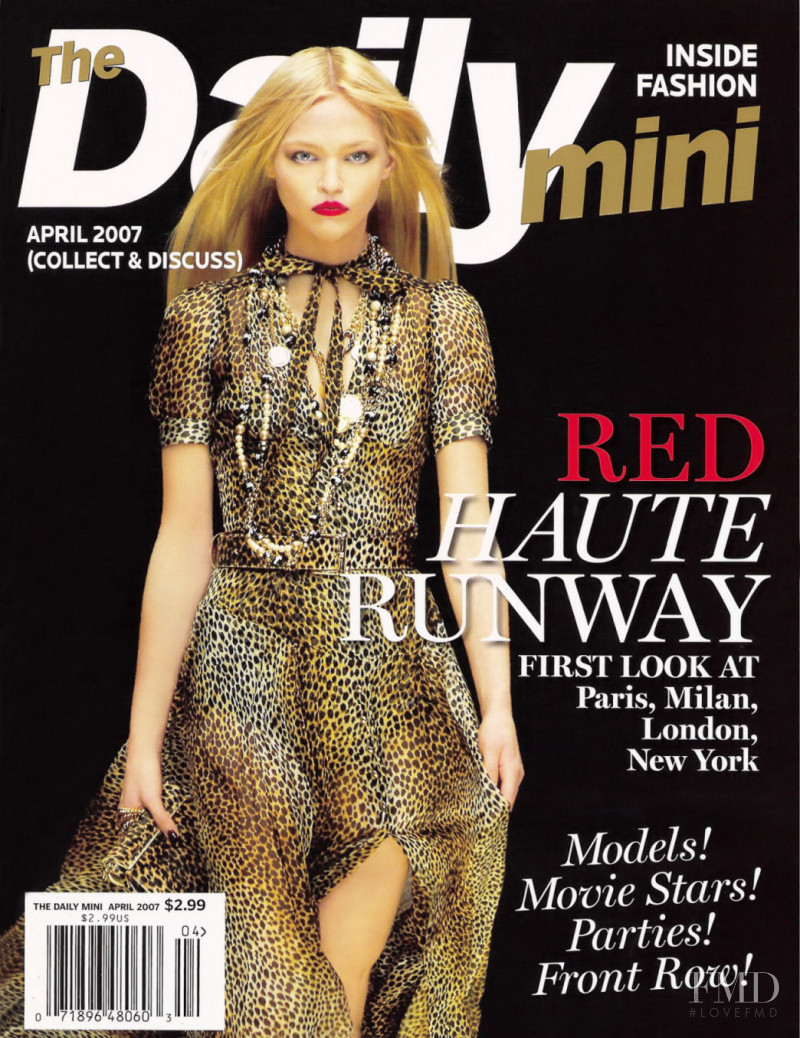 Sasha Pivovarova featured on the The Daily Mini cover from April 2007