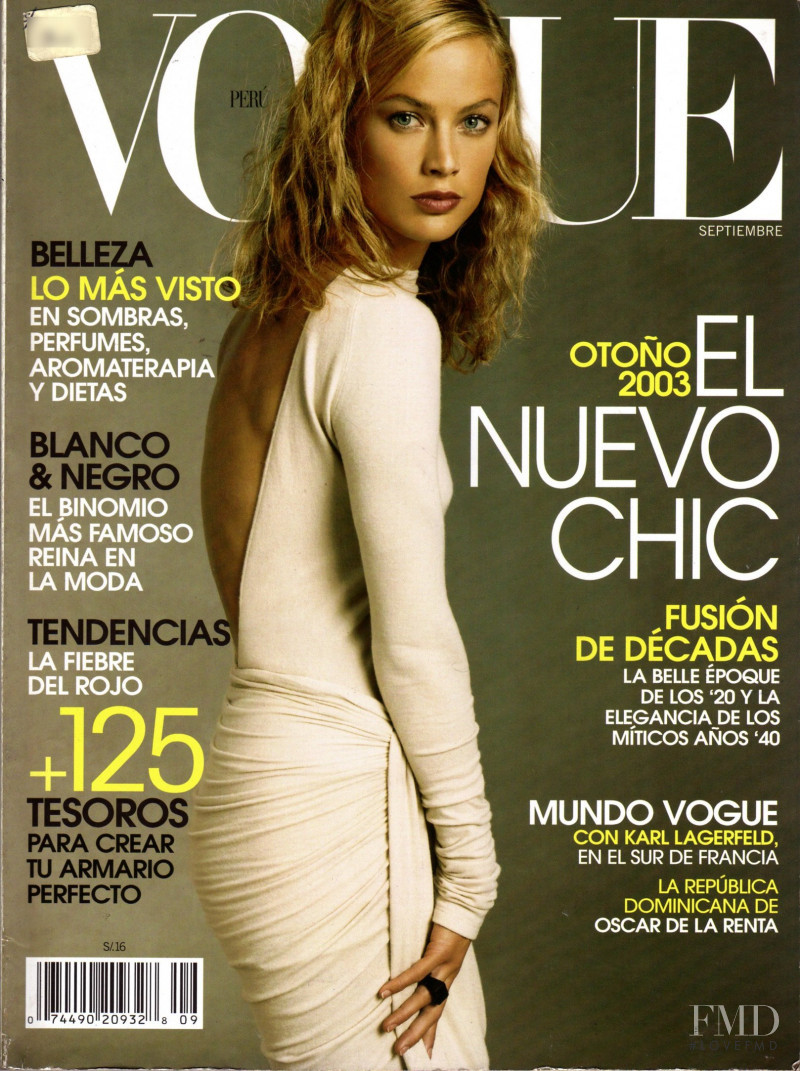 Carolyn Murphy featured on the Vogue Mexico cover from September 2003