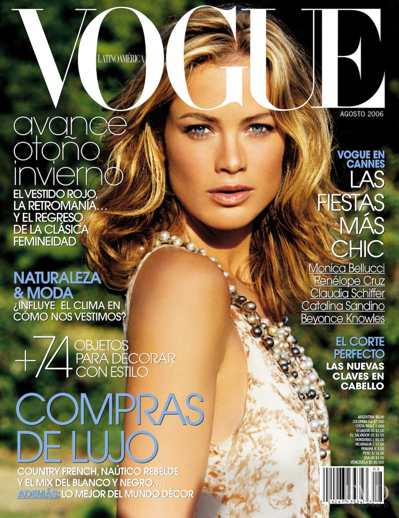 Carolyn Murphy featured on the Vogue Mexico cover from August 2006