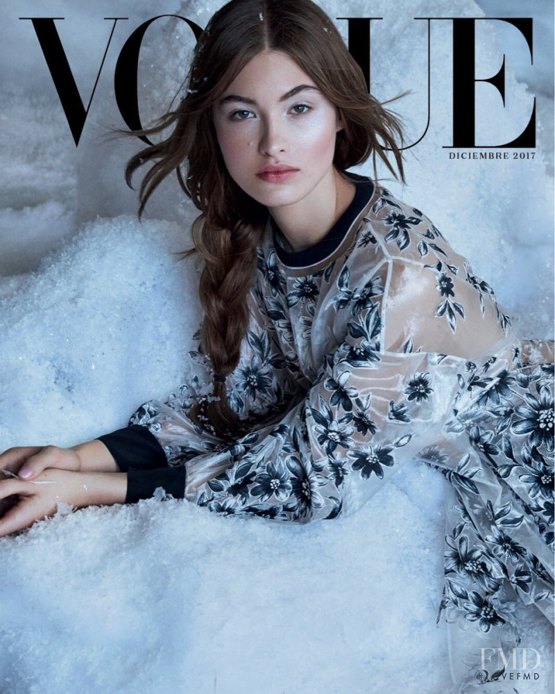 Grace Elizabeth featured on the Vogue Mexico cover from December 2017