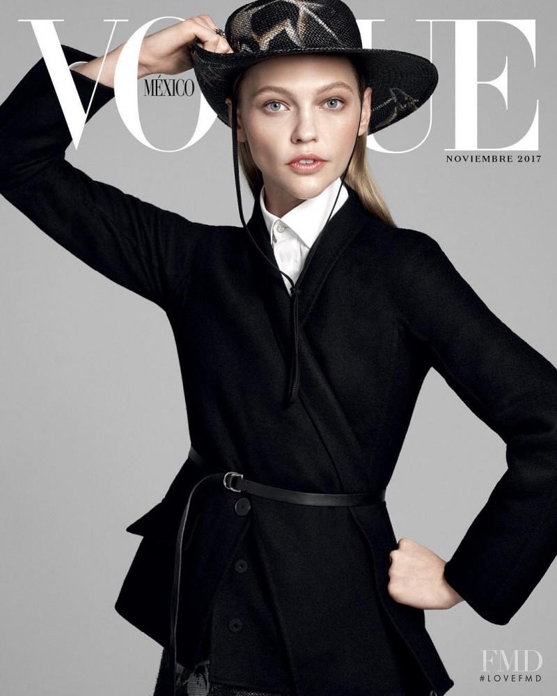 Sasha Pivovarova featured on the Vogue Mexico cover from November 2017