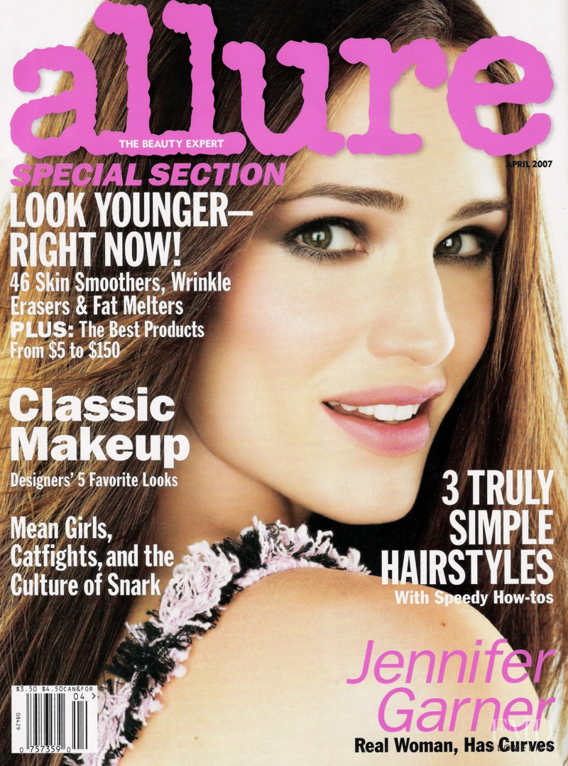 Jennifer Garner featured on the Allure cover from April 2007
