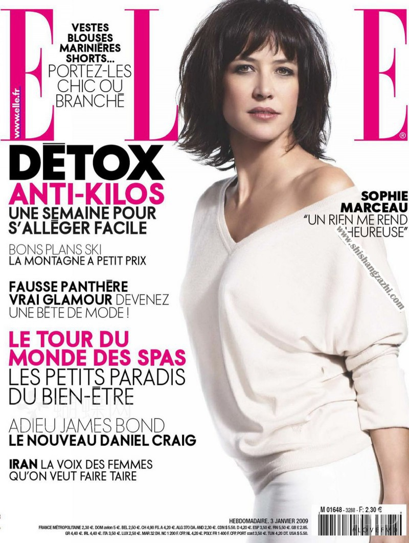 Sophie Marceau featured on the Elle France cover from January 2009