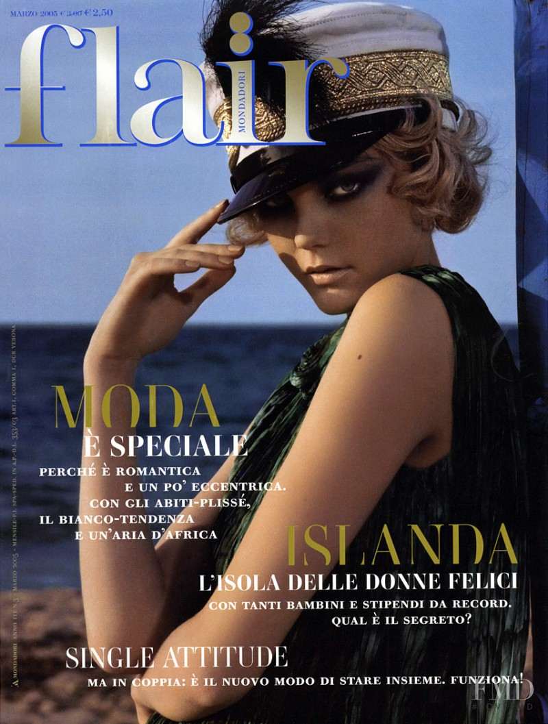 Caroline Trentini featured on the flair Italy cover from March 2005