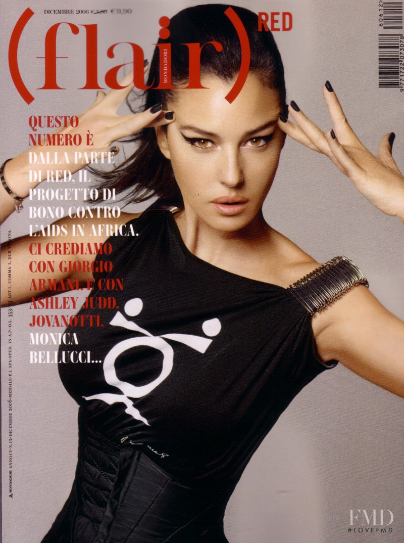 Monica Bellucci featured on the flair Italy cover from December 2006
