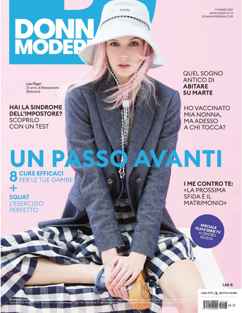 featured on the DONNA MODERNA cover from March 2021