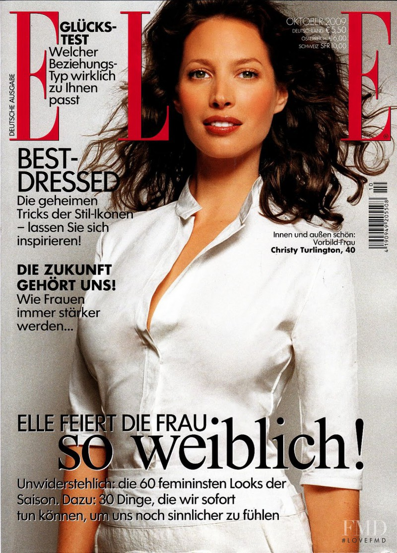 Christy Turlington featured on the Elle Germany cover from October 2009