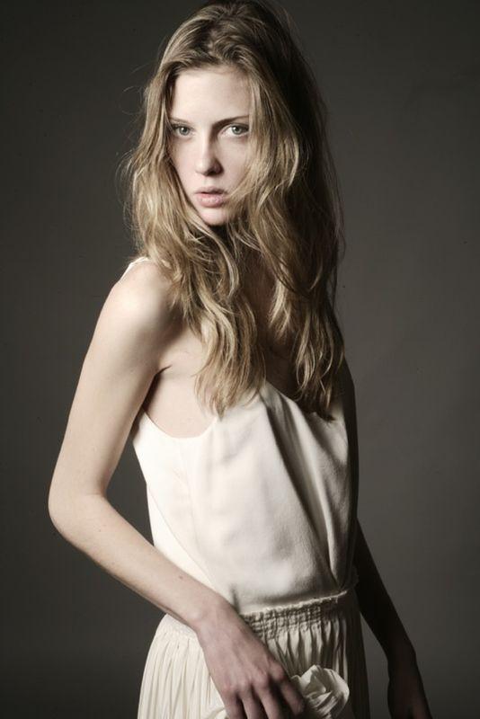 Photo of model Laura Halm - ID 180394