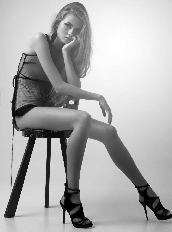 Photo of model Emma Nilsson - ID 305517