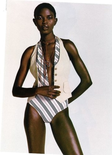 Photo of model Caroline Bwomono - ID 19429