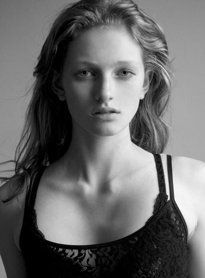 Photo of model Aine O\'Gorman - ID 361274