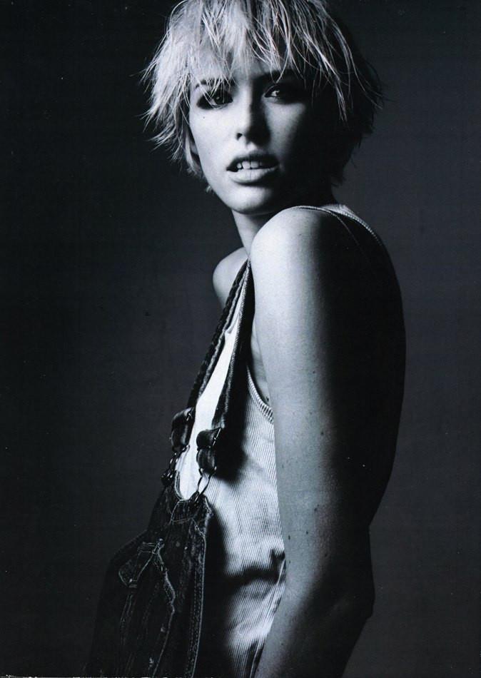 Photo of model Caroline Barcomb - ID 372651
