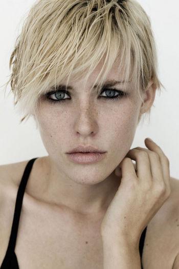 Photo of model Caroline Barcomb - ID 372653