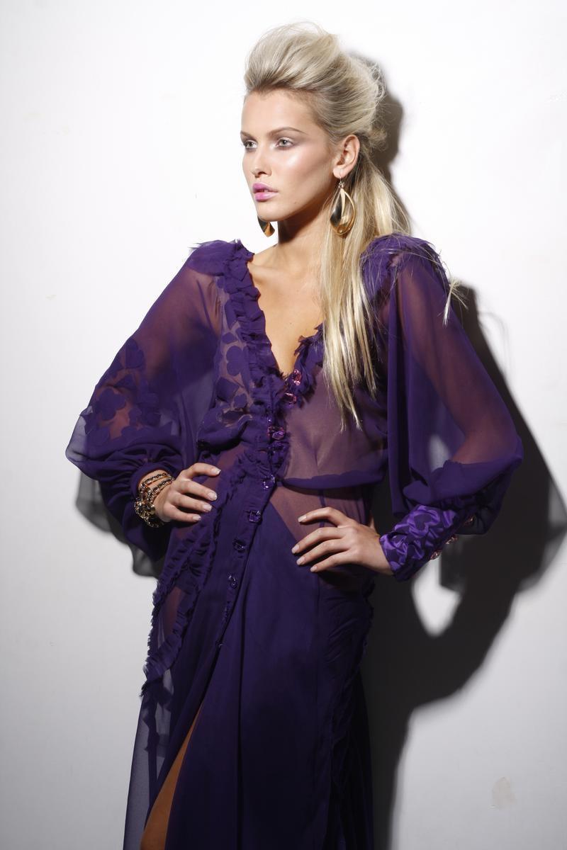 Photo of model Linda Bartosova - ID 423528