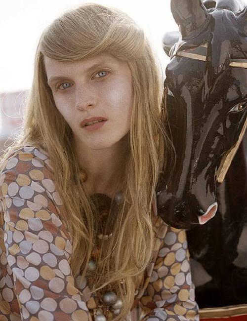 Photo of model Elisabeth Moses - ID 105546