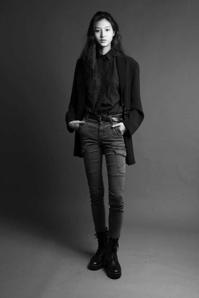 Photo of model NarYoung Ha - ID 611999