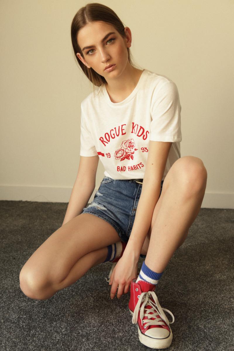 Photo of model Mira Molnar - ID 618811