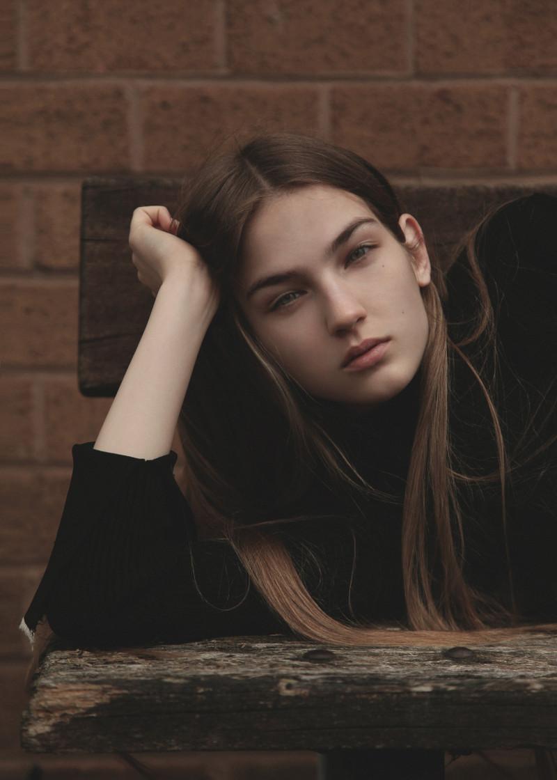 Photo of model Mira Molnar - ID 618816