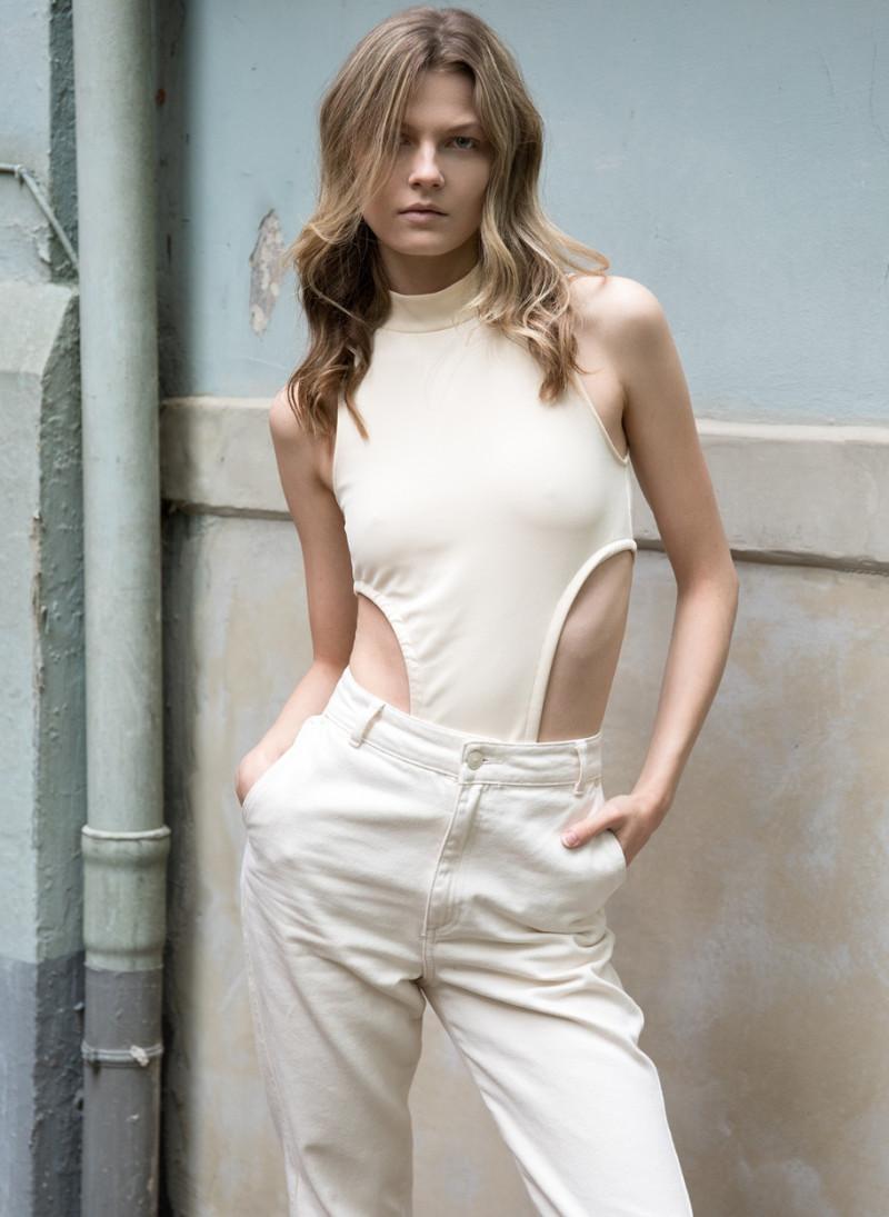 Photo of model Alexandra Steuer - ID 647844