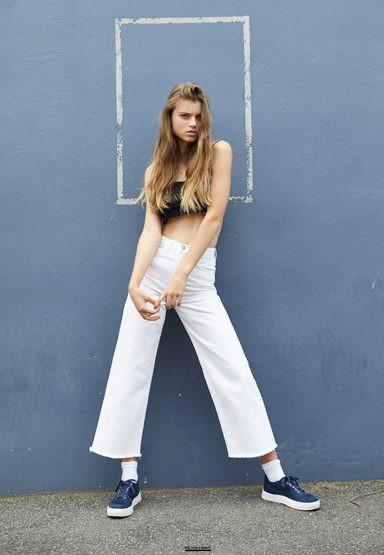 Photo of model Lottie Aaron - ID 649084