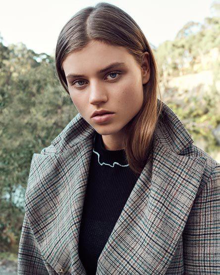 Photo of model Lottie Aaron - ID 649094