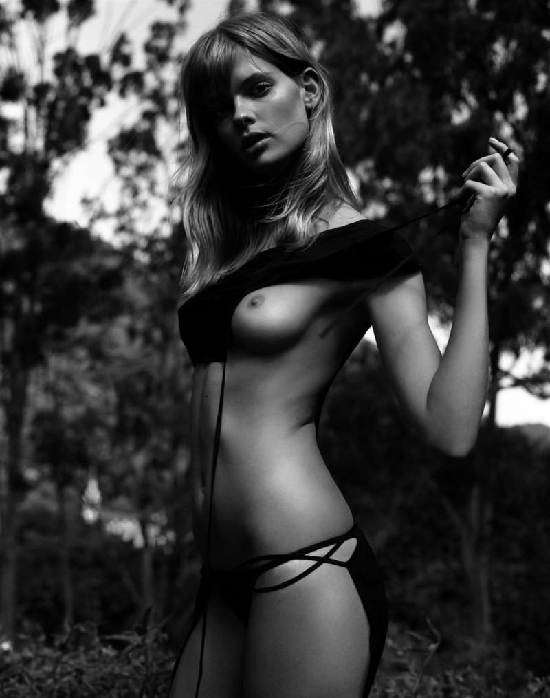 Julia Stegner - Photo - Fashion Model - ID16995