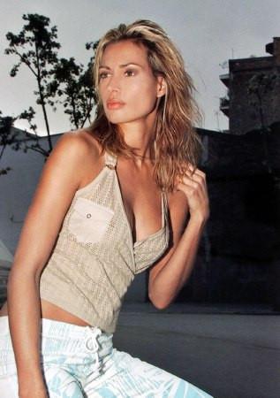Photo of model Michelle Cowley - ID 55966